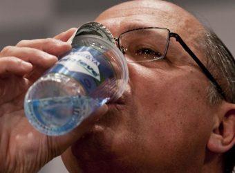 alckmin bebendo agua 2