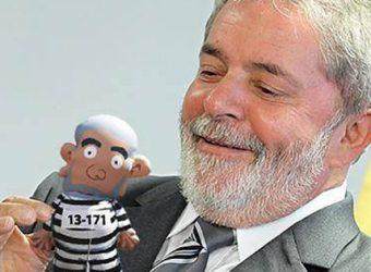 Lula com boneco1