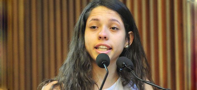 Ana Júlia Ribeiro 2