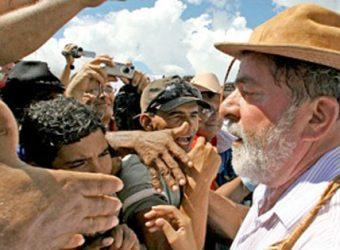 Lula com chapeu de couro