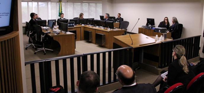 Julgamento de Lula foto Sylvio Sirangelo TRF4