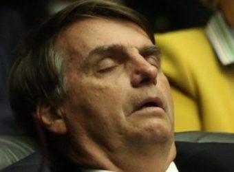 bolsonaro dormindo