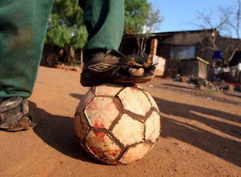 bola e pobreza
