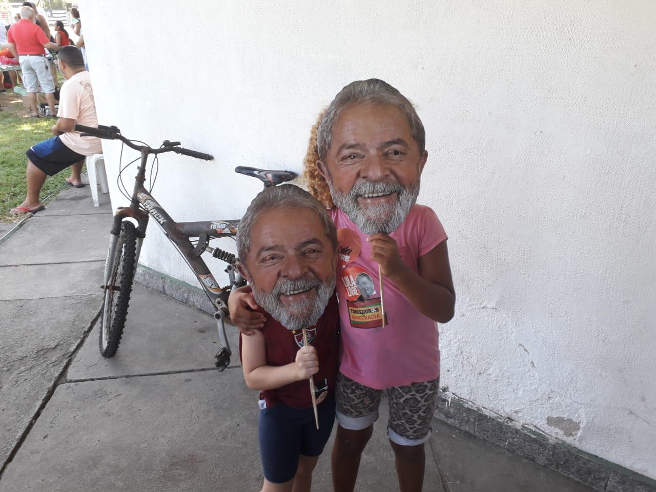 Lula Livre crianças