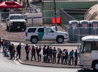 Brasileiros na fila de deportação