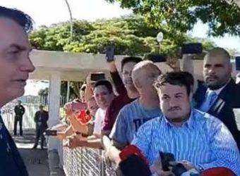 bolsonaro cercadinho imprensa