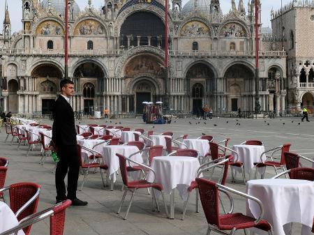 itália coronavirus mesas vazias em veneza